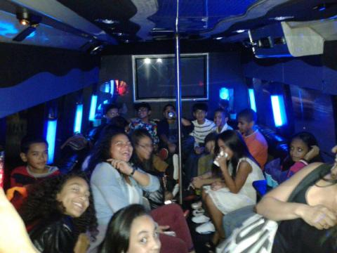 Cheap New York Limousines - New York Party Bus